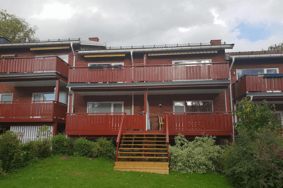 Maling av fasade i borettslag- Malerfirma DinMalerpartner